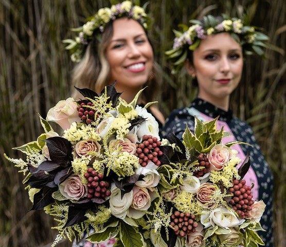 Mazzi di fiori con corone